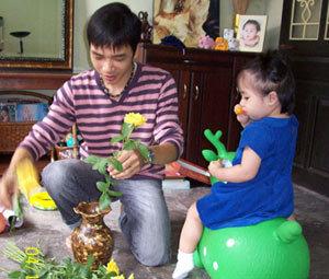Đỗ Bảo và con gái. Ảnh: VTV