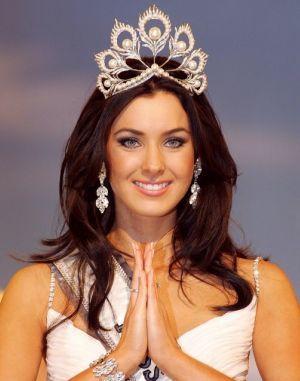 Natalie Glebova - Miss Universe 2005 - chỉ giành ngôi Á hậu trong cuộc thi Miss Maja World năm 2004. Ảnh: Pageant.