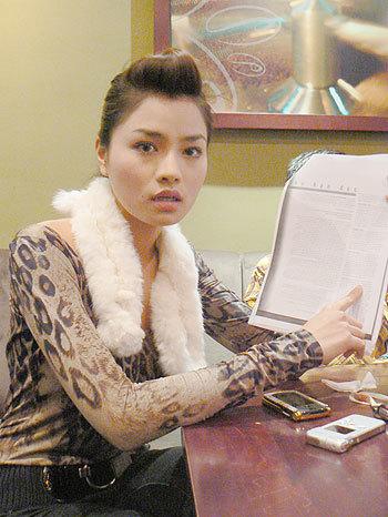 Vũ Thu Phương cho biết cô bất bình khi có tên mình được nhắc tới trong bài báo. Ảnh: Ngọc Trần.
