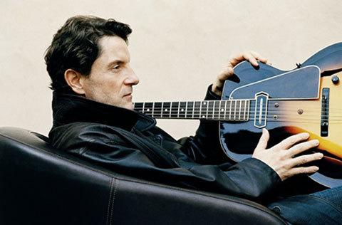 Ca sĩ, nhạc sĩ Francis Cabrel. Ảnh: Douninaclip.