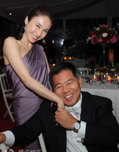 Hình ảnh hạnh phúc của vợ chồng Lê Tư. Ảnh: Cri.