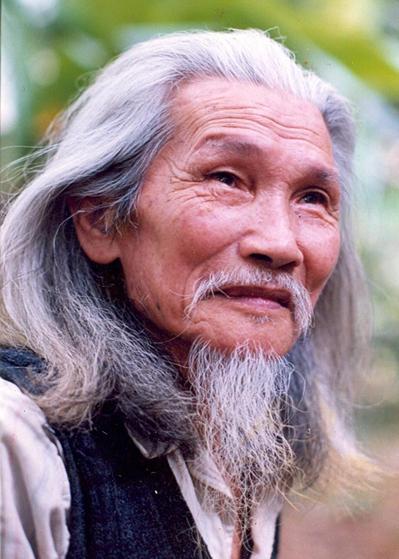 Nhà thơ Hữu Loan.