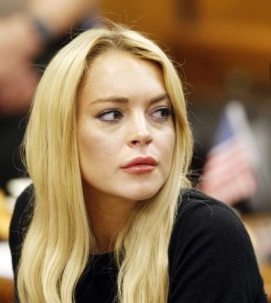 Lindsay Lohan nhiều lần bị đồn bơm môi để có