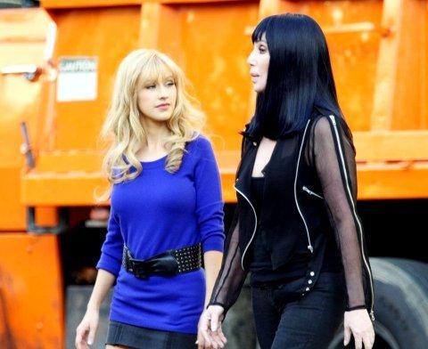 Christina và Cher trên trường quay phim mới. Ảnh: hawtmag.