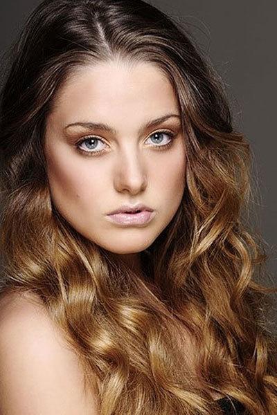 Hoa hậu Ireland là Miss Talent của Miss World 2010.
