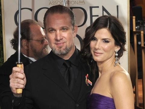 Sandra Bullock và chồng cũ Jesse James. Ảnh: iVillage.