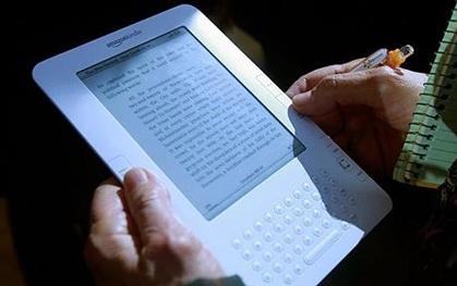 Thiết bị đọc sách điện tử Kindle của Amazon. Ảnh: Telegraph