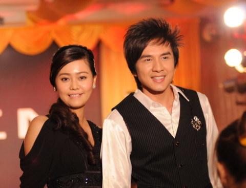 Khang Trung (Đan Trường) từ một thợ may đã trở thành người mẫu chuyên nghiệp sau sự cố thiếu người mẫu nam. Ảnh: HI-C.