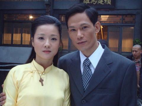 NSƯT Mỹ Duyên vào vai nữ bác sĩ Phương Thảo, còn Minh Hải hóa thân thành Nguyễn Ái Quốc.