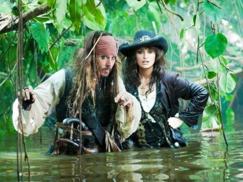Penelope Cruz và Johnny Depp trong