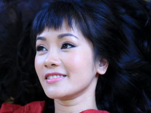 Hồng Nhung là một trong những ca sĩ thể hiện thành công nhất