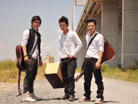Ba thành viên trong nhóm It's Time (từ trái sang): Đức Thảo, Quốc Việt và Khắc Tuận.