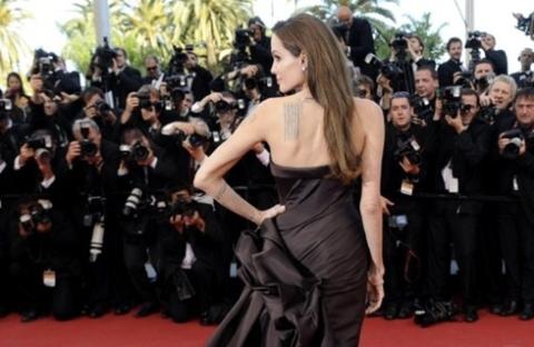 """""""The Tree of Life"""" của Brad Pitt cũng là tác phẩm được chú ý nhất tại LHP Cannes năm nay, với sự tham gia của tài tử hàng đầu thế giới."""