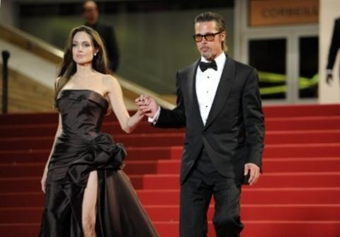 Jolie - Pitt sánh đôi trên thảm đỏ.