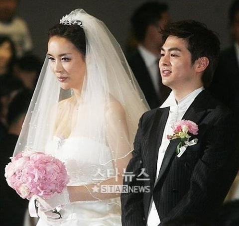 Ha Ri Su và chồng Micky Jung trong đám cưới hồi năm 2007.