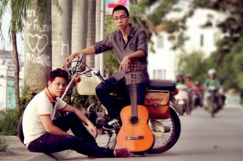 Nhóm Magnet gồm hai thành viên - Dương Trần Nghĩa và Nguyễn Duy Tùng.