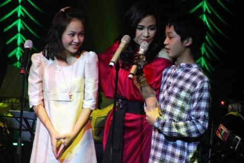 Ba mẹ con Thanh Lam hát điệp khúc