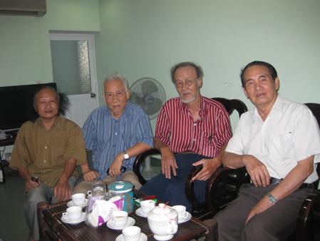 Từ trái qua phải: NS Đoàn Bổng, Đinh Quang Hợp, nhà soạn nhạc Tạ Tường và NS Thế Song. Ảnh: Lê Thoa (Đất Việt).