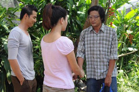 Anh chàng hàng xóm tốt bụng thầm thương trộm nhớ Đông Quỳnh cũng chúc phúc cho cô.
