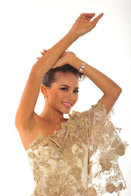 năm 2007, cô lọt vào top 10 Hoa hậu Thế giới Người Việt