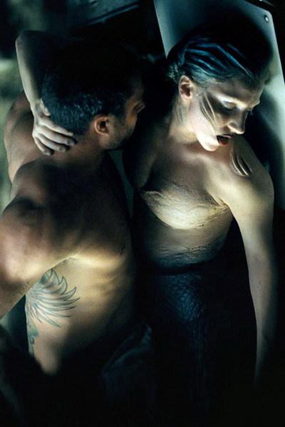Taylor Kinney và Lady Gaga trong clip 'You And I'.