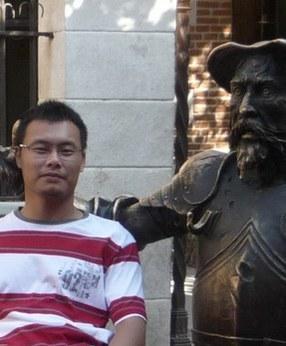 Nhà thơ Nguyễn Thế Hoàng Linh.