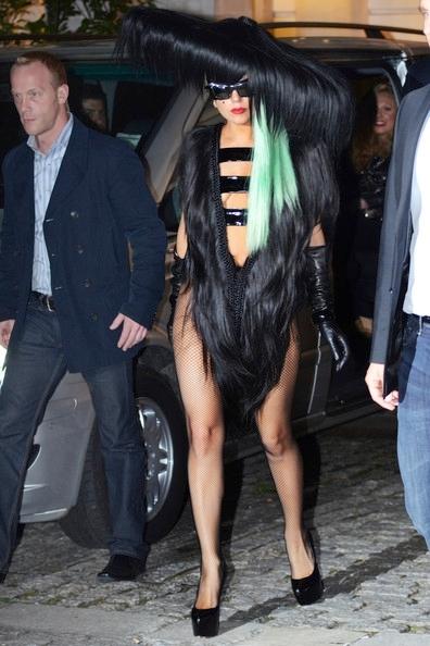 Lady Gaga lần mới nhất xuất hiện bên ngoài khách sạn ở London tối 6/10, khi cô đến đây tham gia một số sự kiện.