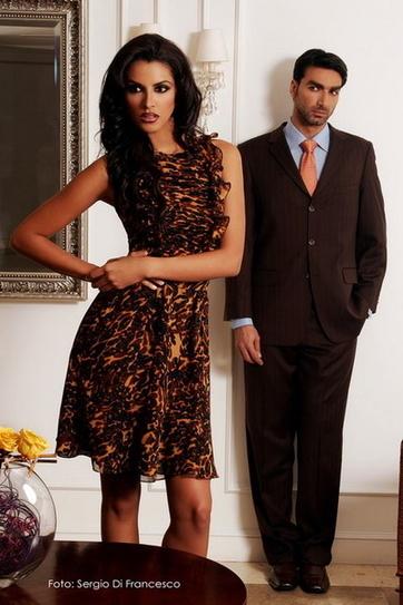 Cuộc đời của Ivian Sarcos thay đổi khi cô bắt đầu dấn thân vào nghề người mẫu vào năm ngoái. Tuy bắt đầu khá muộn màng (ở tuổi 21)
