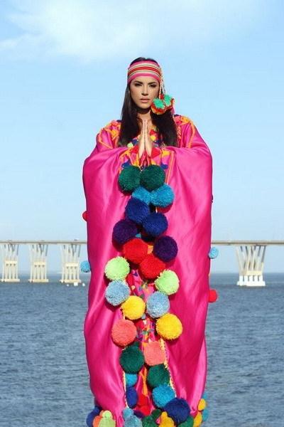 """Sau một thời gian làm người mẫu, Ivian quyết định đăng ký thi Miss Venezuela và trở thành đại diện của """"cường quốc sắc đẹp"""" này tại cuộc thi Miss World 2011 tại London, Anh tháng 11 năm nay."""