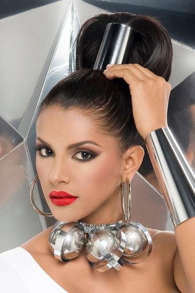 Chân dung Tân Hoa hậu Thế giới 2011 người Venezuela - Ivian Sarcos.