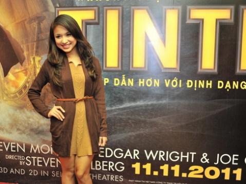 MC Thanh Vân Hugo đi xem phim một mình. Cô rất háo hức được là một trong những khán giả đầu tiên thưởng thức bộ phim này.