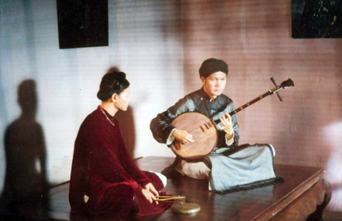 """Đơn Dương (phải) trong phim """"Mê Thảo thời vang bóng""""."""