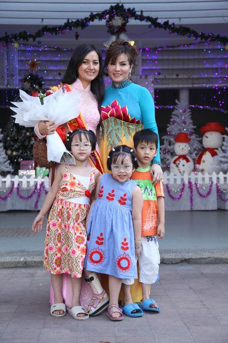 Bà Kim Hồng cho biết, các người đẹp sẽ tiếp tục các hoạt động xã hội và từ thiện trong thời gian tới.