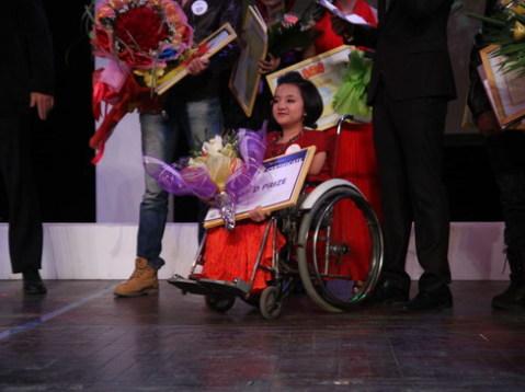 Phương Anh của trường PTTH Việt Đức giành giải nhì.