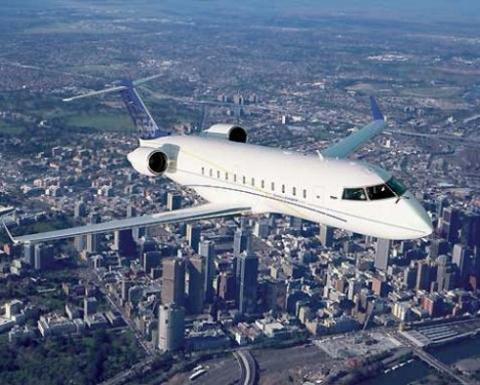 Diễn viên Triệu Bản Sơn bỏ hẳn 200 triệu nhân dân tệ (khoảng 31,7 triệu USD) tậu hẳn chiếc máy bay 17 chỗ . Ảnh: People.