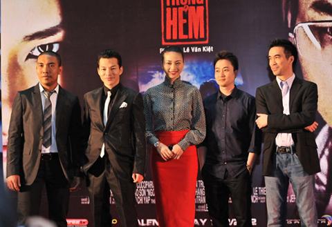 Giám đốc sản xuất Chung Minh, diễn viên Trần Bảo Sơn, Ngô Thanh Vân, đạo diễn Lê Văn Kiệt và nhà sản xuất Trần Trọng Dần.