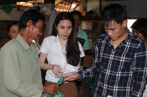Thủy Tiên rất vui vì Công Vinh rất hào hứng với công việc từ thiện của gia đình cô.