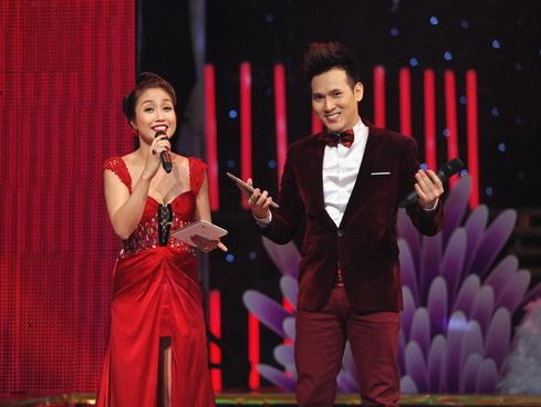 """Cả hai cũng là MC xuyên suốt các liveshow của """"Bước nhảy Hoàn vũ"""" năm nay."""