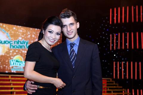 Phương Thanh và bạn nhảy Phương Thanh bên bạn nhảy điển trai Ivan Nedyalkov Ralkov