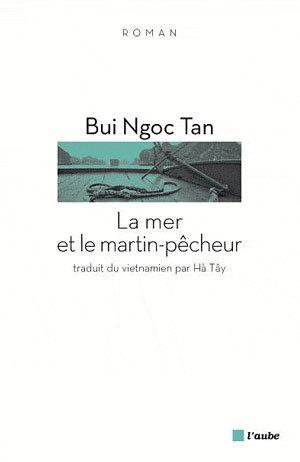 Bìa tác phẩm 'Biển và chim bói cá' bản tiếng Pháp.
