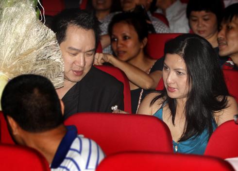 Huy MC đưa vợ đi xem liveshow Mỹ Linh tại Hà Nội. Ảnh: Hải Bá.