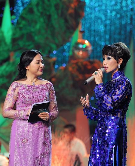 Sau tiết mục biểu diễn, Khánh Hà chia sẻ với MC Quỳnh Hương, chị rất vui khi xuất hiện tại chương trình này. Khánh Hà còn bày tỏ hy vọng năm sau chị sẽ là ca sĩ hát kèm thí sinh ở phần thử thách song ca trong đêm chung cuộc.