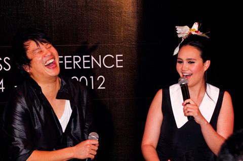 Tara Young chiếm được cảm tình của mọi người bởi sự vui vẻ và cởi mở của cô. Nữ ca sĩ Thái Lan còn chọc ghẹo Thanh Bùi trên sân khấu khi cho rằng Thanh Bùi nói tiếng Anh thì rất mạnh mẽ nhưng khi nói tiếng Việt thì thỏ thẻ khiến cho anh cười nắc nẻ trên sân khấu.