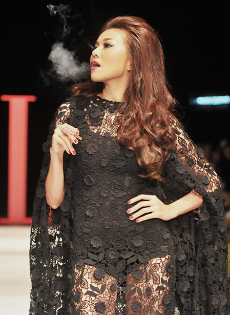 Hình ảnh Thanh Hằng tại đêm diễn Elle show.