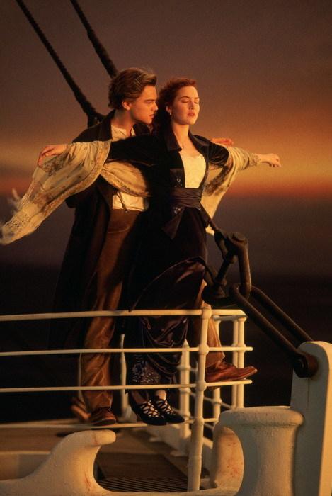 Leonardo DiCaprio (Jack) và Kate Winslet (Rose) trong cảnh quay kinh điển của