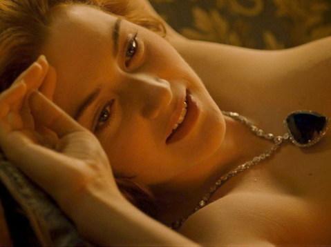 Cảnh khỏa thân của Kate Winslet trong phiên bản 3D được nhiều khán giả mong ngóng. Ảnh: Fox.
