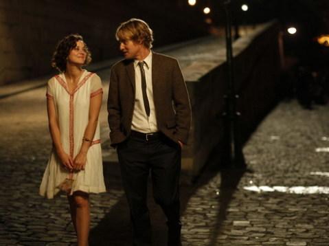 Marion Cotillard và Owen Wilson trong một cảnh phim. Ảnh: Sony.