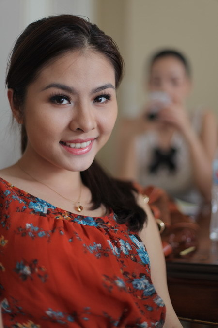 Vân Trang thủ vai nữ chính - Ý Linh. Đây là lần thứ ba cô hợp tác với đạo diễn Victor Vũ. Ảnh: GXY.