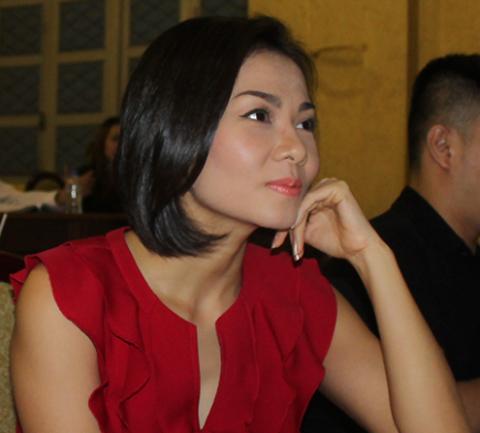 Thu Minh dành thời gian đến dự buổi gặp để nói lời xin lỗi và bày tỏ nhiều tâm tư trong nghề.
