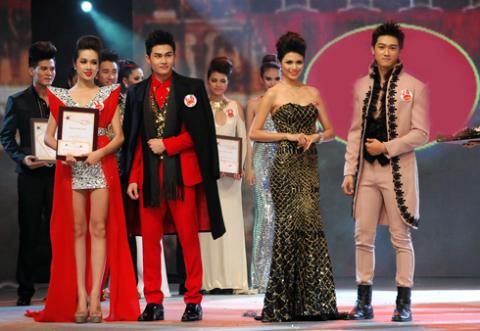 Bốn thí sinh nhận giải Đồng.
